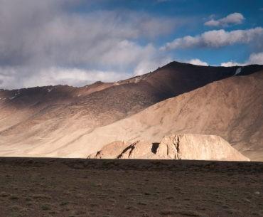 Góry widoczne z Pamir Highway