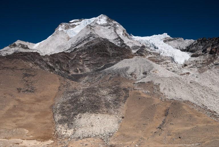 Island Peak widoczny z bazy namiotowej