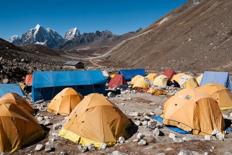 Baza namiotowa pod Island Peak