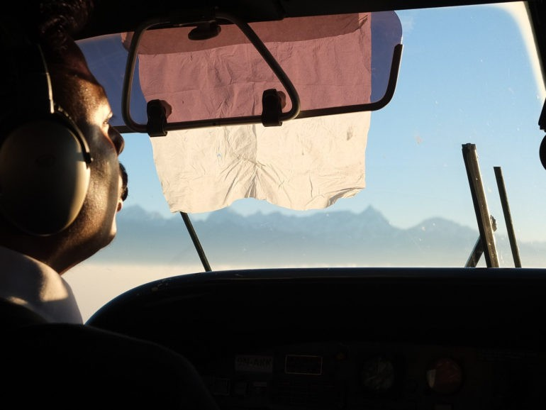 Pilot w samolocie do Lukli