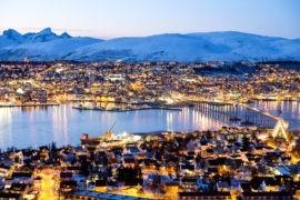 Tromso nocą sfotografowane z góry