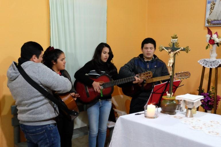 Oprawa muzyczna w lokalnej kaplicy