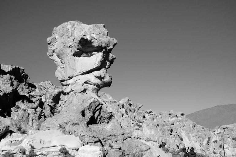 Na tą skałę mówią Głowa Diabła, ale ostatnio dostrzegają też podobieństwo do Donalda Trumpa...