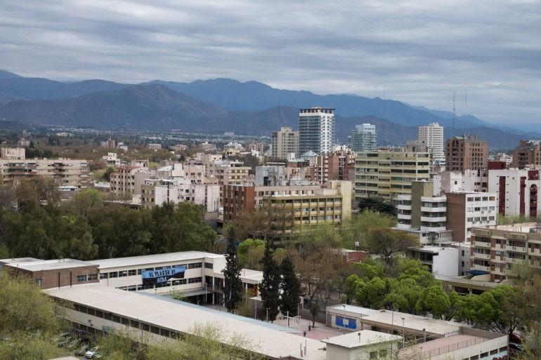 Widok z dachu urzędu miasta w Mendozie