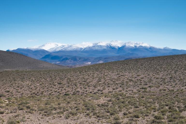 Okolice Barrancas, w oddali ośnieżone szczyty Andów