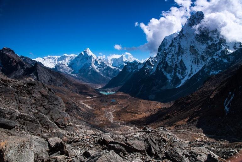 Zejście do doliny prowadzącej do wioski Dzongla