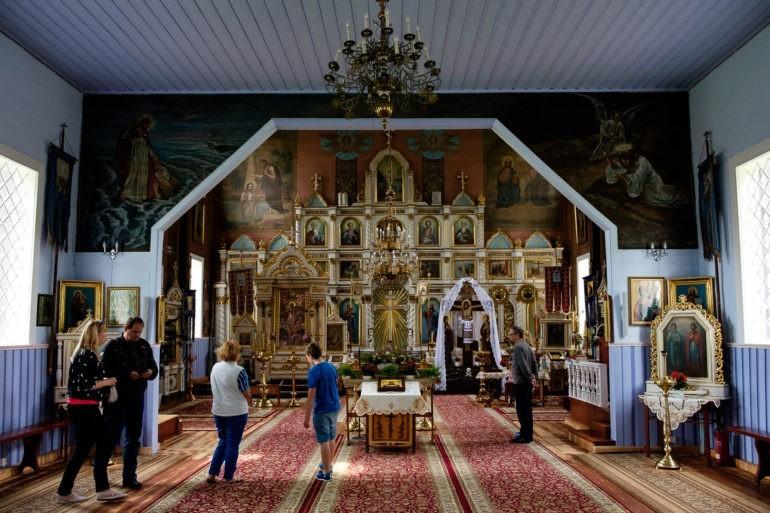 Wnętrze cerkwi wPuchłach