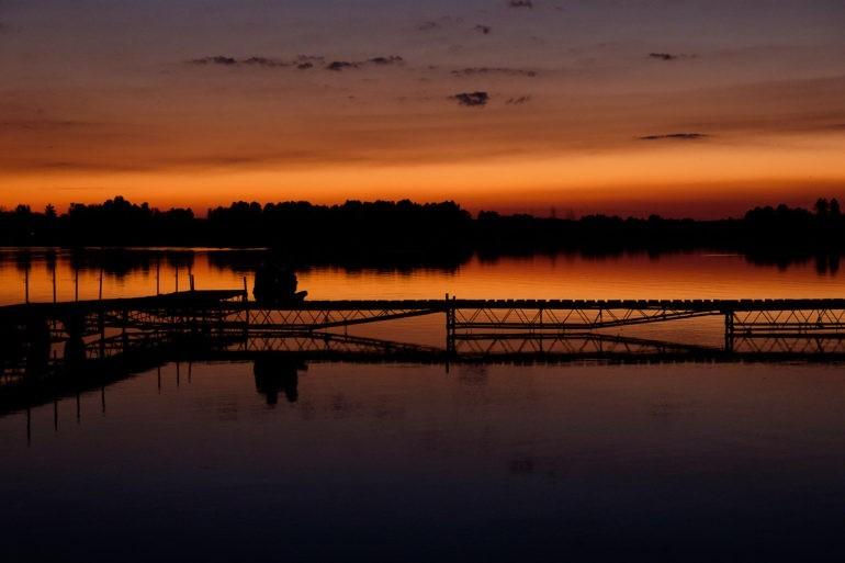 Zachód słońca nad Jeziorem Białym