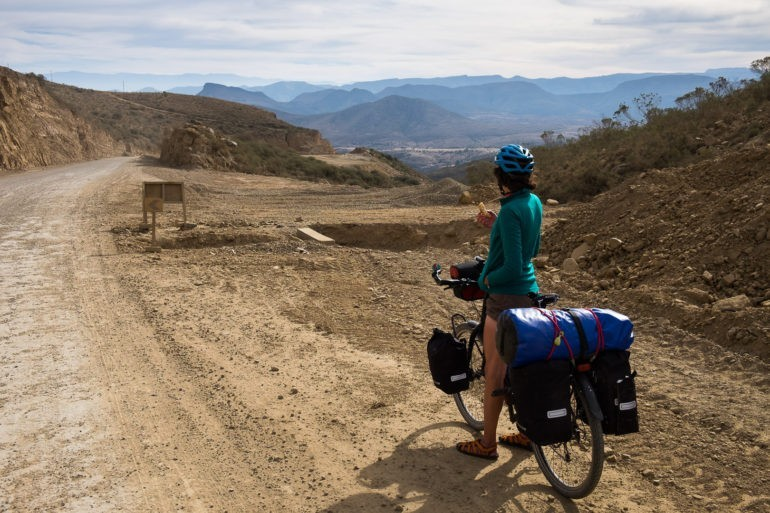 Przedostaliśmy się przez góry, przed nami zjazd do Tarija