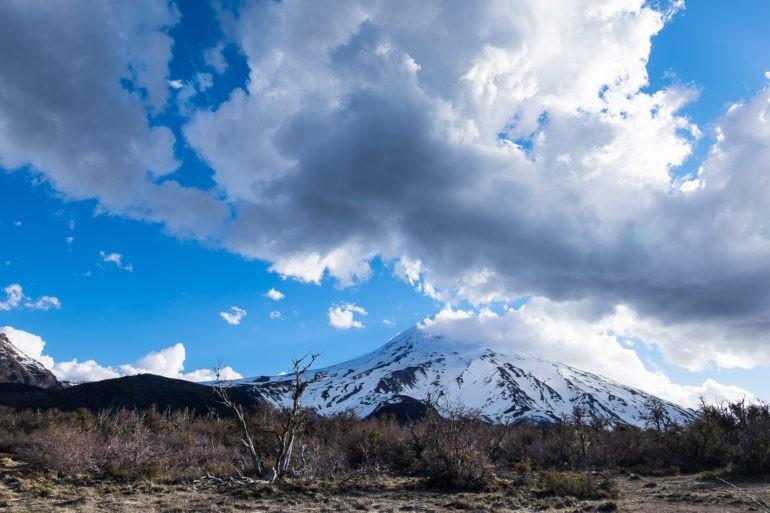 Popołudnie z widokiem na wulkan