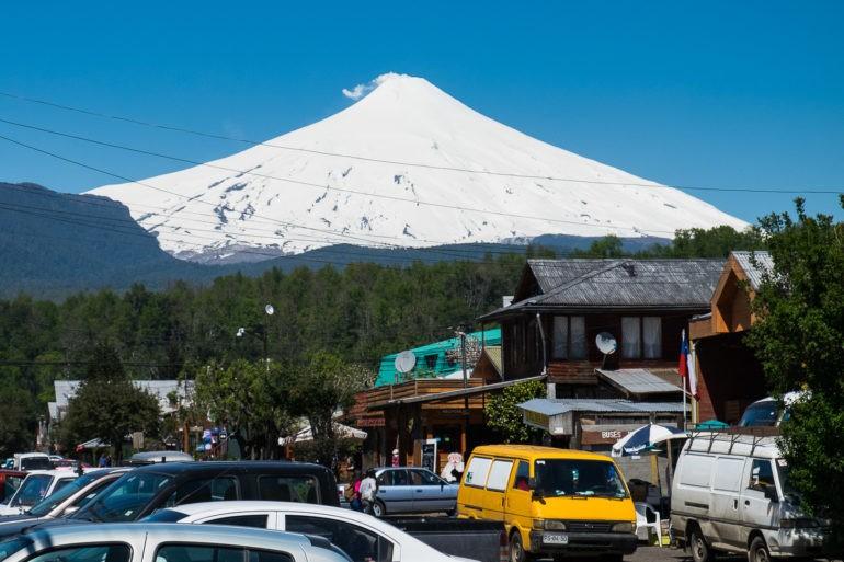 Wulkan Villarica zimą jest ośrodkiem narciarskim, a latem celem wspinaczek