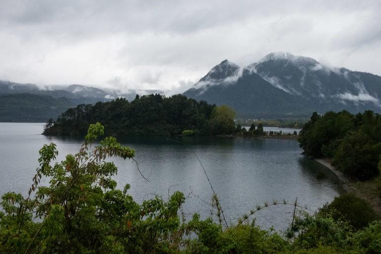 Południe jeziora Calafquen niedaleko Coñaripe