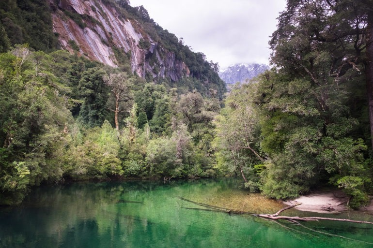 Tyrolki przewieszone są w kilku miejscach nad tą rzeką, tam gdzie potrzeba szybko dotrzeć do campingów