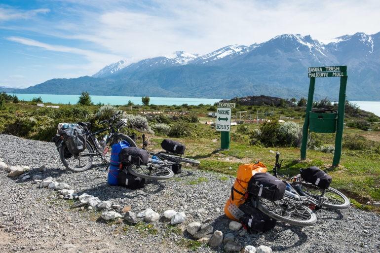 Rowerowy parking na przejściu granicznym w Chile