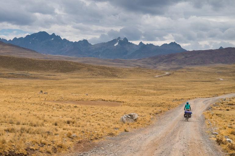 W tamtych górach na horyzoncie czai się kolejny podjazd na dziś