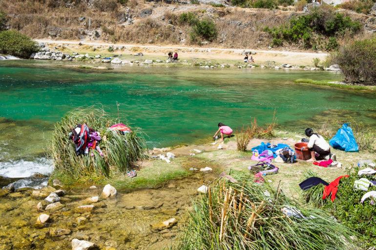 Pranie z widokiem - w wiosce Huancaya
