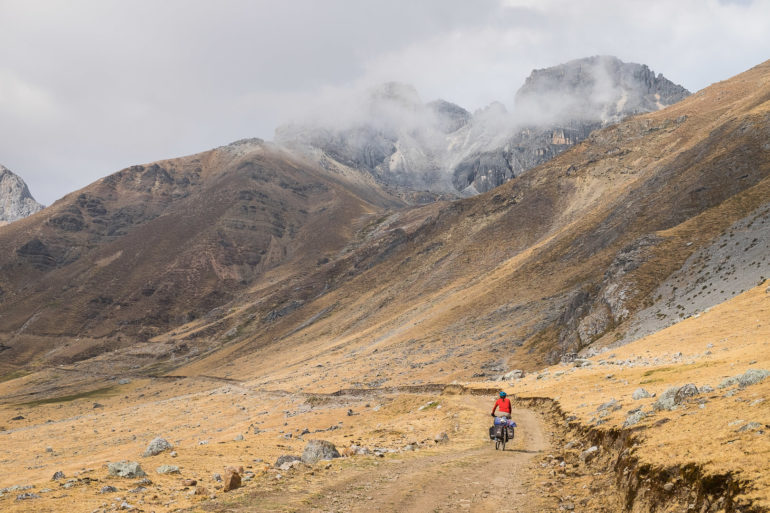 Jedziemy, nie pchamy w stronę przełęczy Chucopampa (4860)