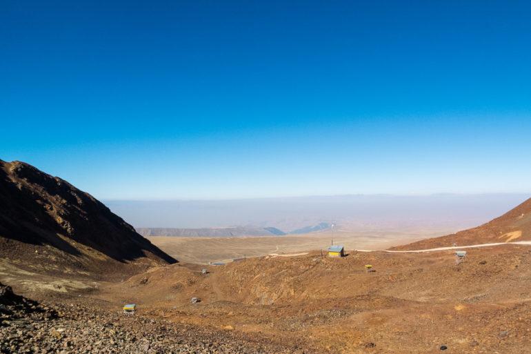 Fot. Carina Isabel Moreno Rivadeneira - Widok z obserwatorium Chacaltaya w kierunku doliny La Paz