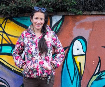 Carina Isabel Moreno Rivadeneira sfotografowana przed domem
