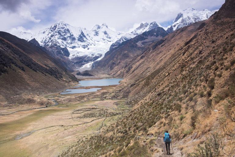 Gosia schodzi do Laguny Jahuacocha