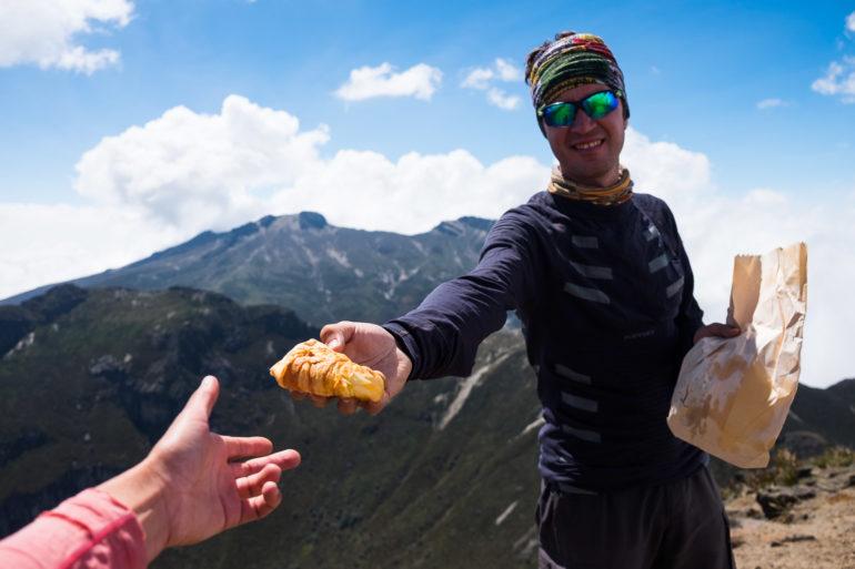 Wymęczony croissant na szczycie Rucu Pichincha