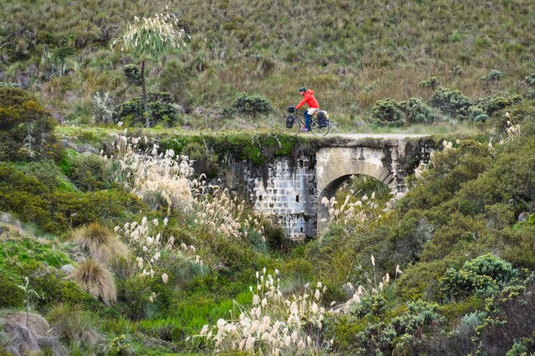Ostatnie kilometry górskich dróg Ekwadoru